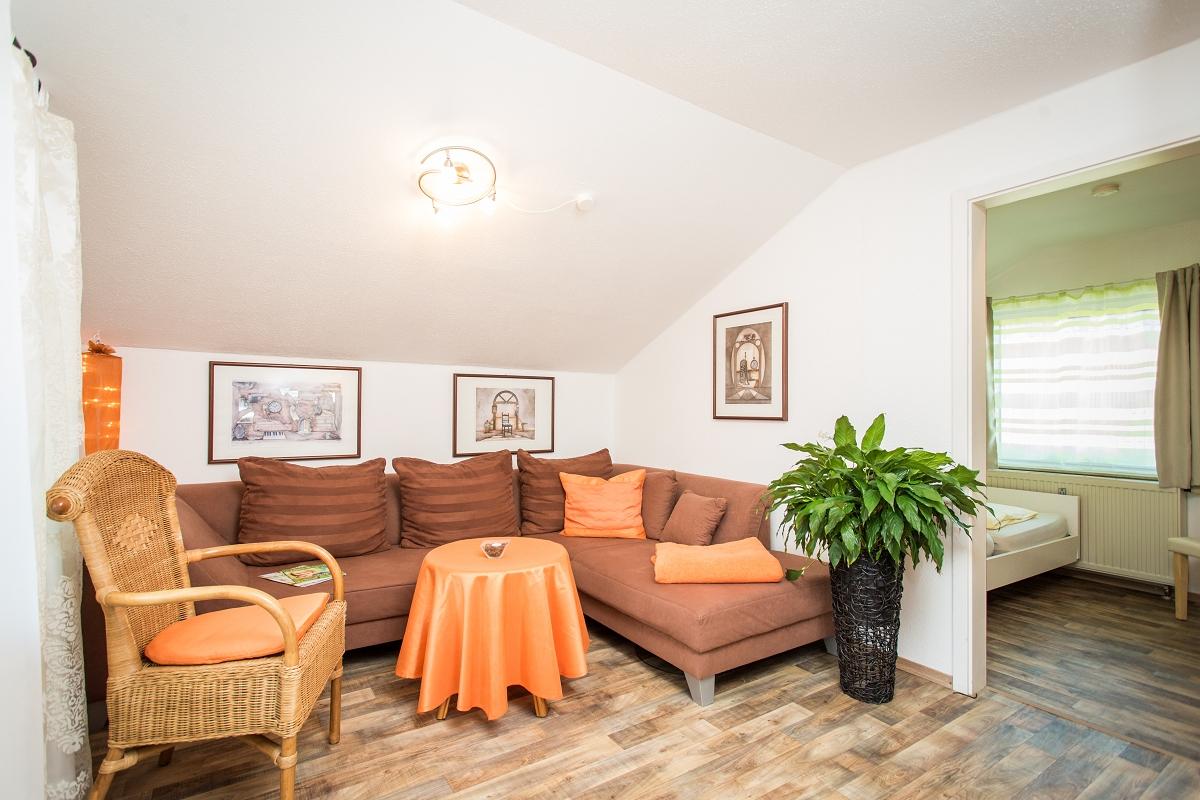 wohnung auerbergblick g stehaus herb ferienwohnungen in ro haupten am forggensee im allg u. Black Bedroom Furniture Sets. Home Design Ideas